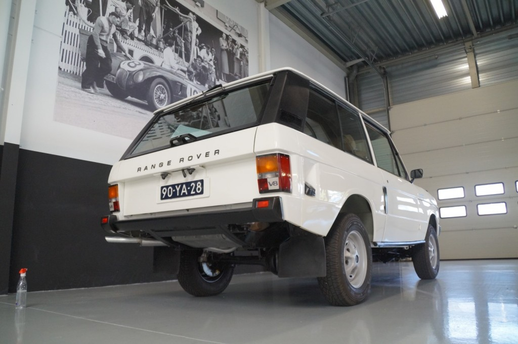 Buy this LAND ROVER RANGE ROVER 1977  at Legendary Classics (21)