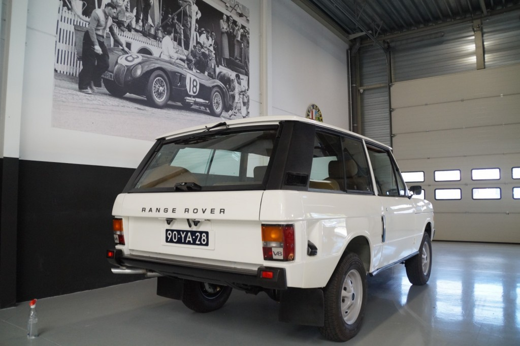 Buy this LAND ROVER RANGE ROVER 1977  at Legendary Classics (22)