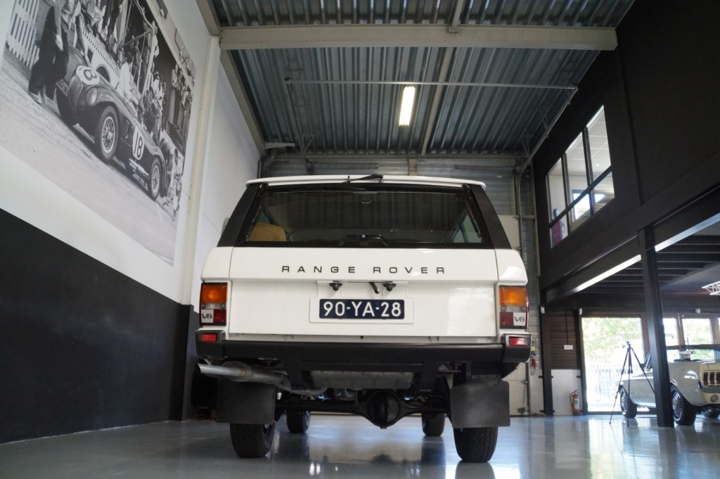 Buy this LAND ROVER RANGE ROVER 1977  at Legendary Classics (23)