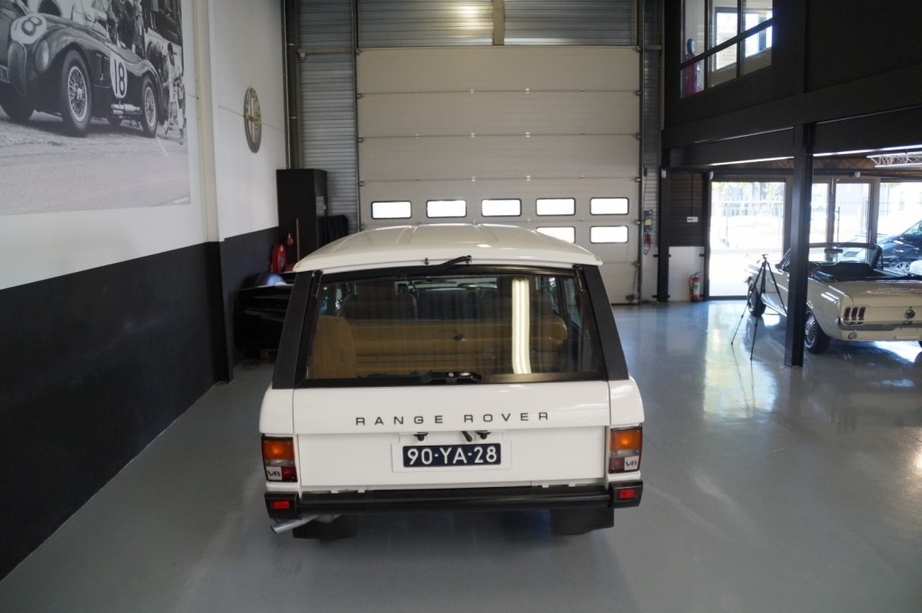 Buy this LAND ROVER RANGE ROVER 1977  at Legendary Classics (24)