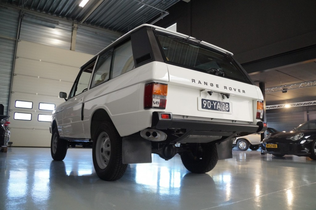 Buy this LAND ROVER RANGE ROVER 1977  at Legendary Classics (25)