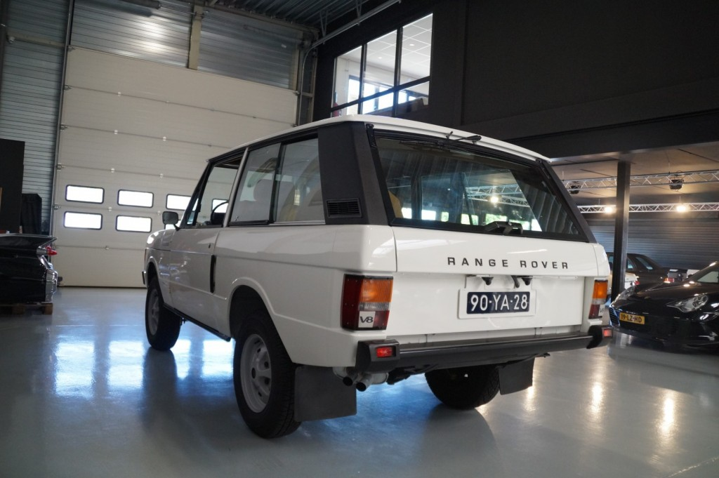 Buy this LAND ROVER RANGE ROVER 1977  at Legendary Classics (26)