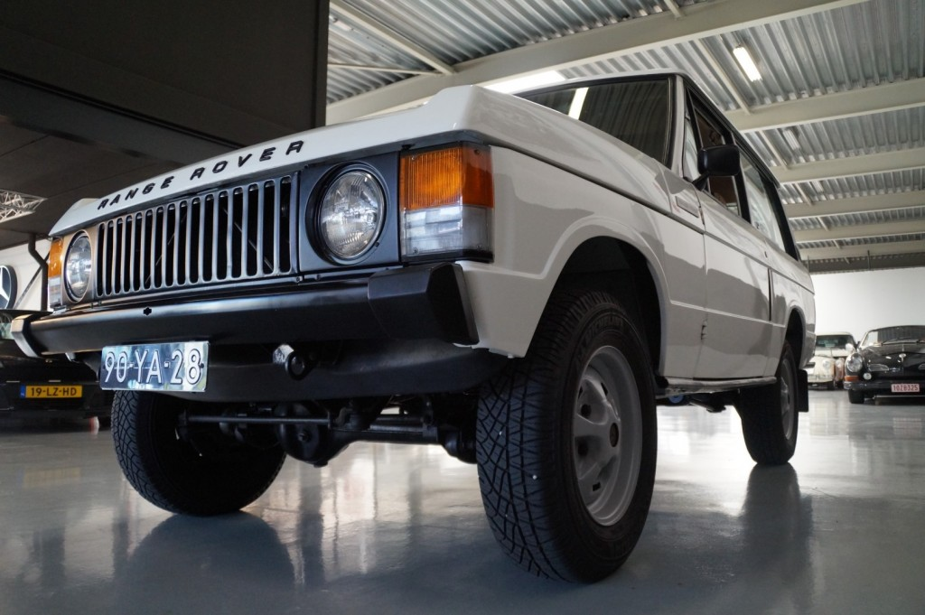 Buy this LAND ROVER RANGE ROVER 1977  at Legendary Classics (28)