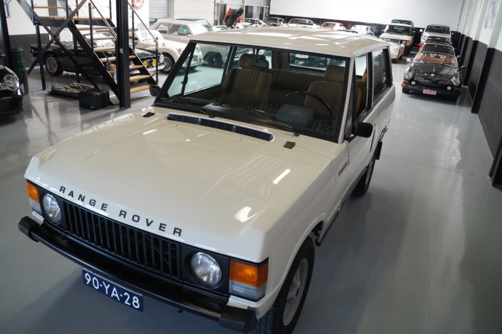 Buy this LAND ROVER RANGE ROVER 1977  at Legendary Classics (30)