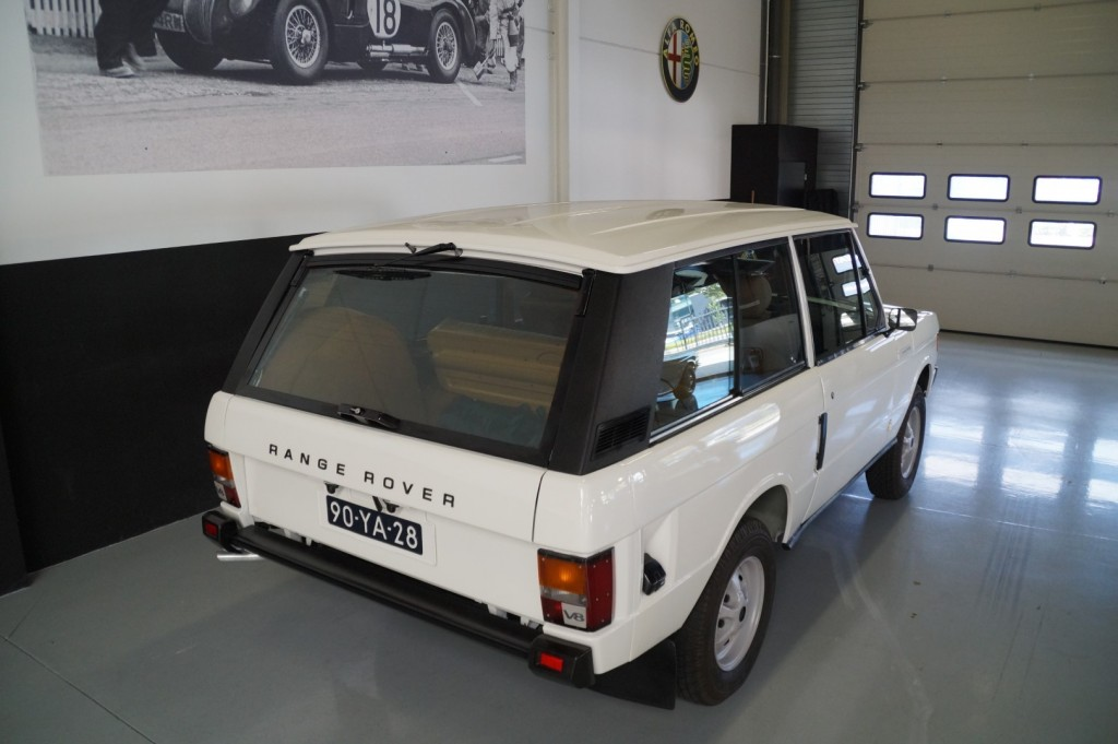 Buy this LAND ROVER RANGE ROVER 1977  at Legendary Classics (4)