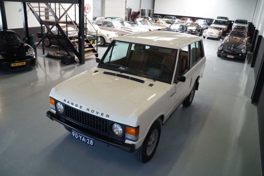 Buy this LAND ROVER RANGE ROVER 1977  at Legendary Classics (31)