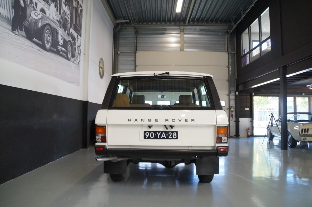 Buy this LAND ROVER RANGE ROVER 1977  at Legendary Classics (5)