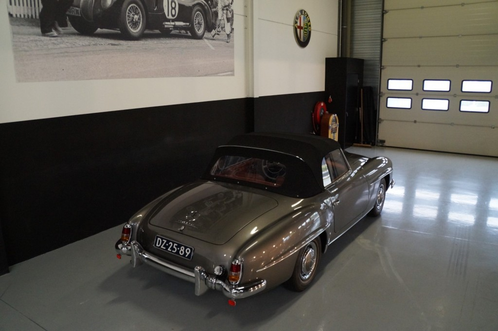 Buy this MERCEDES-BENZ 190 1960  at Legendary Classics (13)