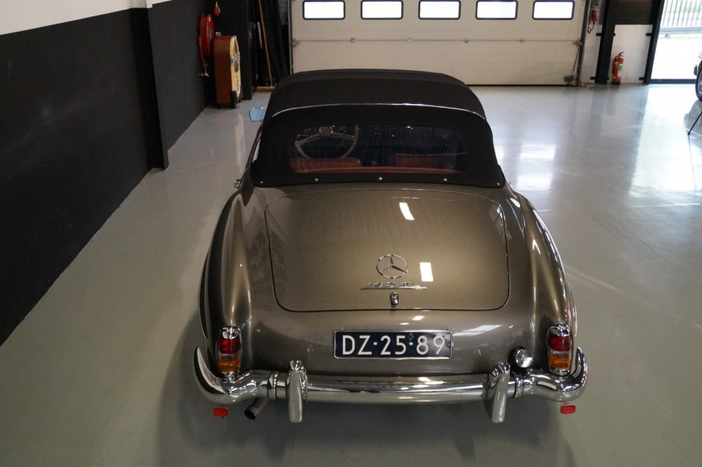 Buy this MERCEDES-BENZ 190 1960  at Legendary Classics (14)