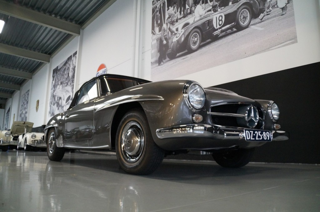Buy this MERCEDES-BENZ 190 1960  at Legendary Classics (21)
