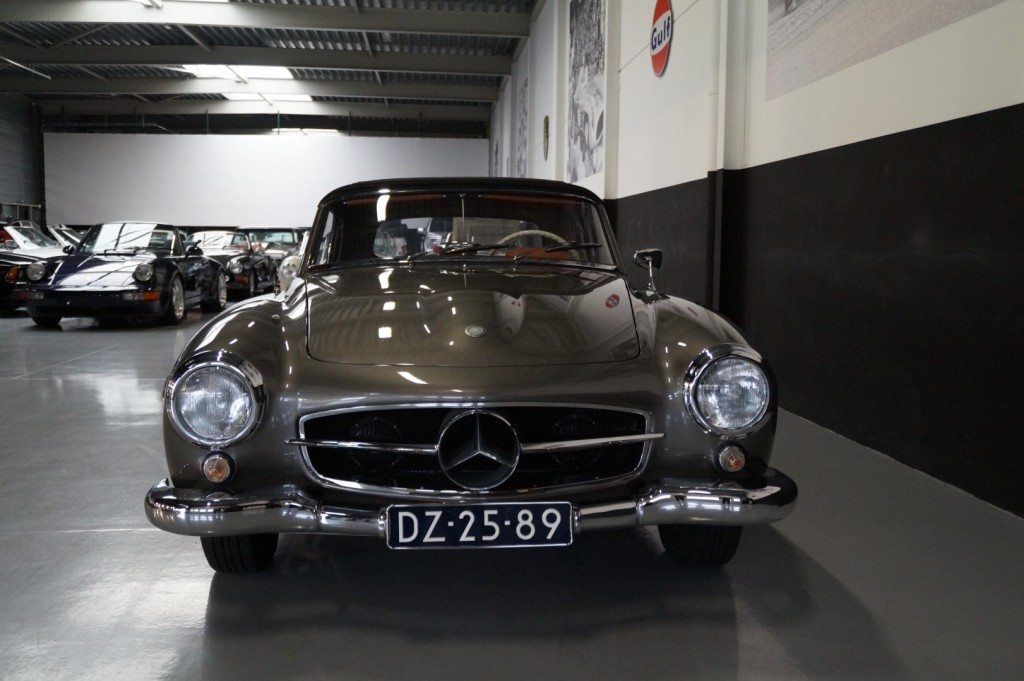 Buy this MERCEDES-BENZ 190 1960  at Legendary Classics (24)