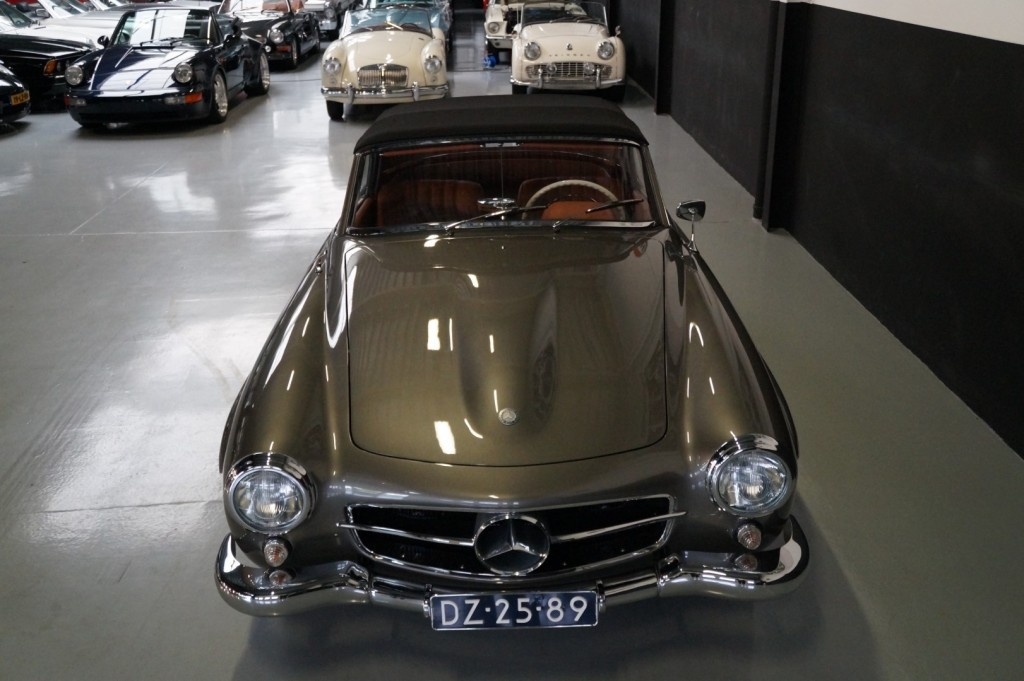 Buy this MERCEDES-BENZ 190 1960  at Legendary Classics (25)