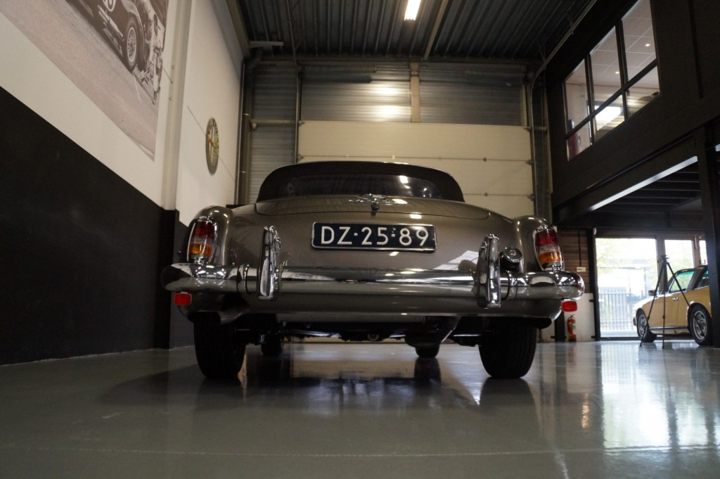 Buy this MERCEDES-BENZ 190 1960  at Legendary Classics (30)