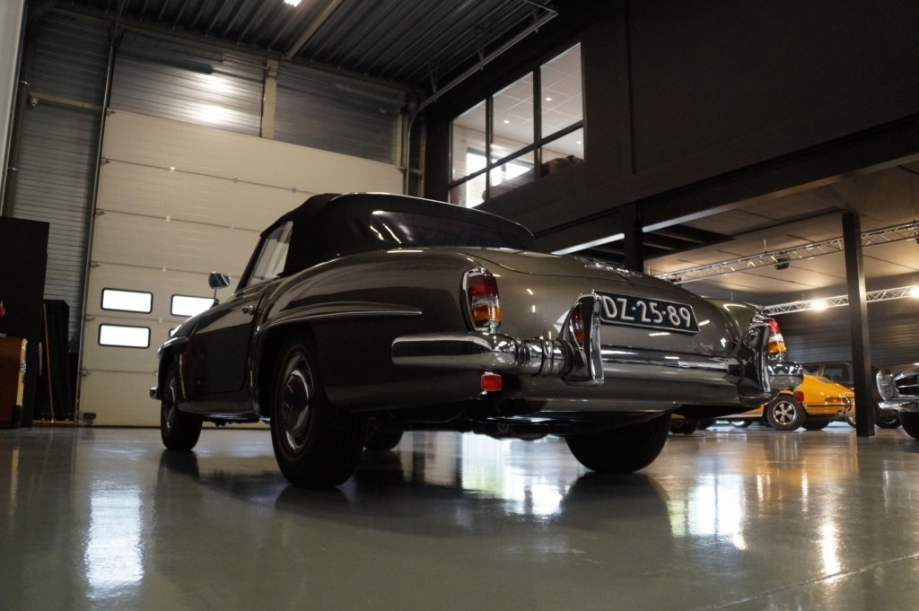 Buy this MERCEDES-BENZ 190 1960  at Legendary Classics (32)