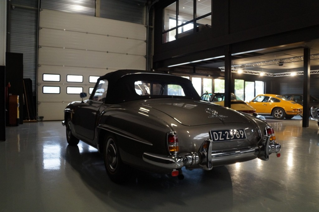 Buy this MERCEDES-BENZ 190 1960  at Legendary Classics (33)