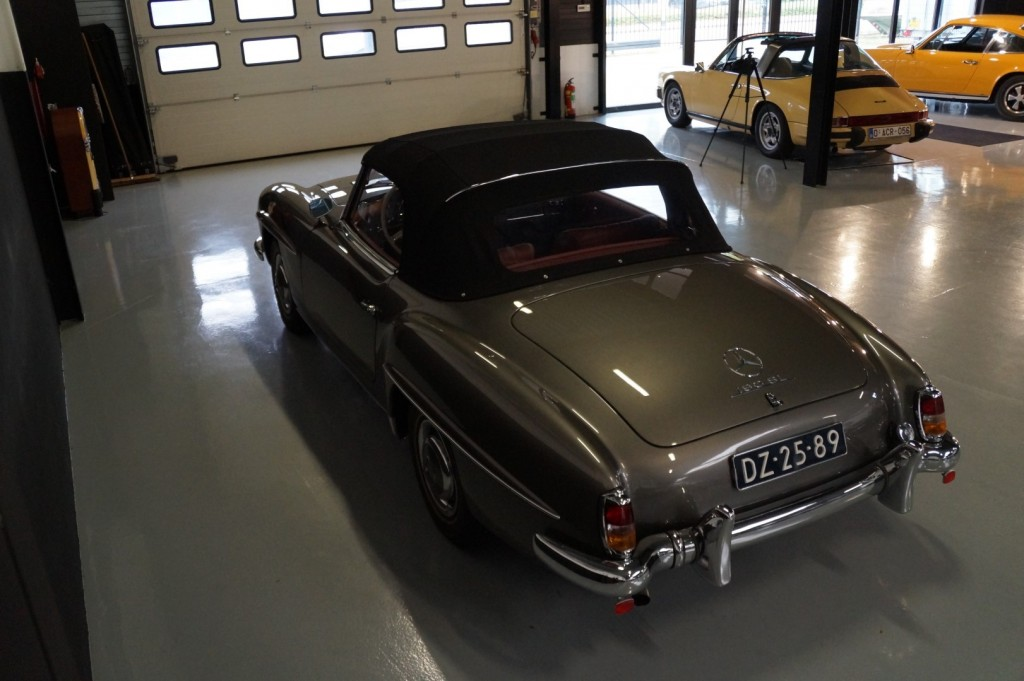 Buy this MERCEDES-BENZ 190 1960  at Legendary Classics (34)