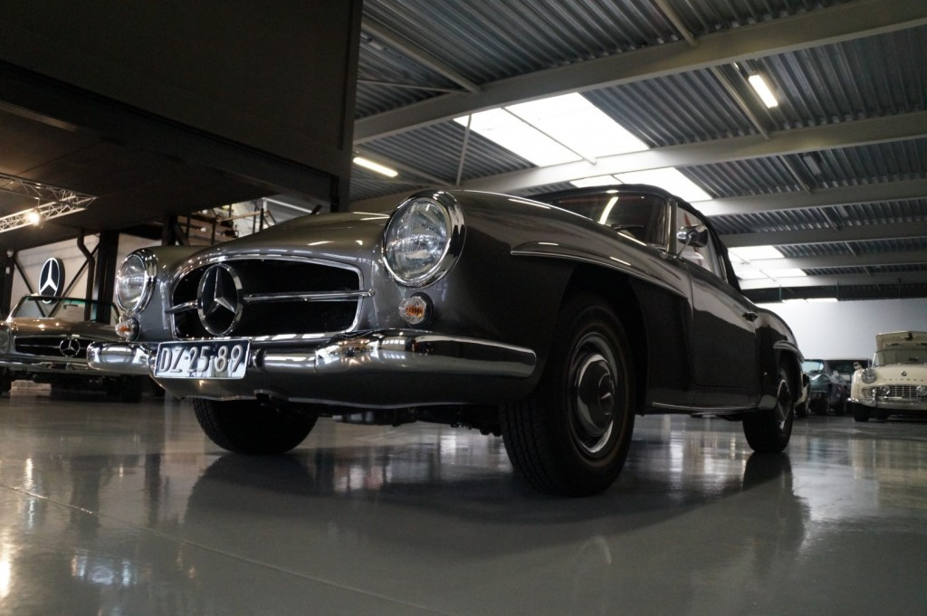 Buy this MERCEDES-BENZ 190 1960  at Legendary Classics (35)