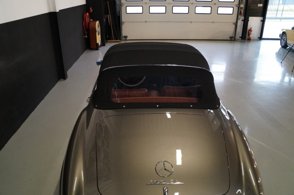 Buy this MERCEDES-BENZ 190 1960  at Legendary Classics (38)