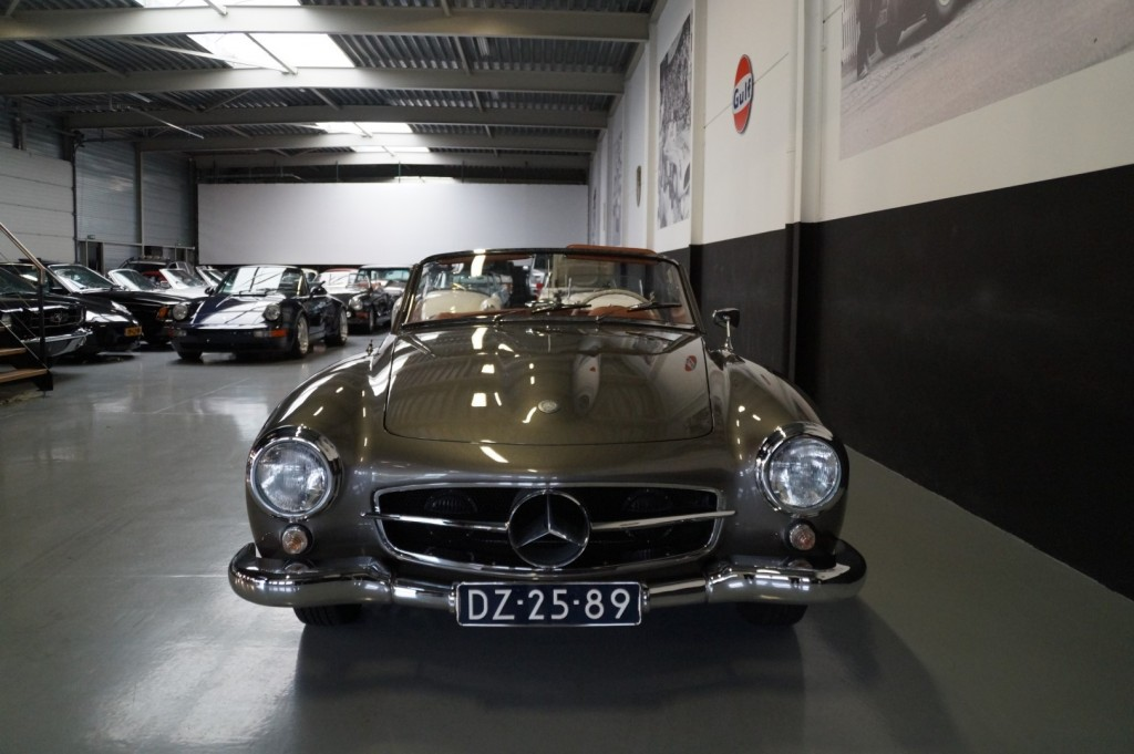 Buy this MERCEDES-BENZ 190 1960  at Legendary Classics (58)