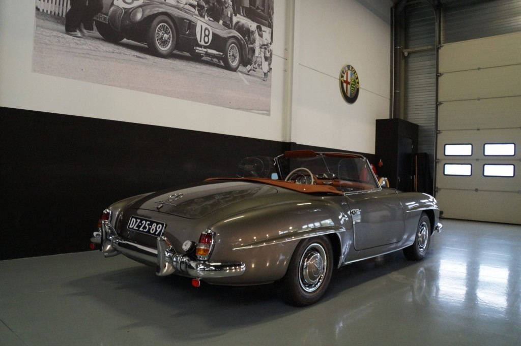 Buy this MERCEDES-BENZ 190 1960  at Legendary Classics (61)