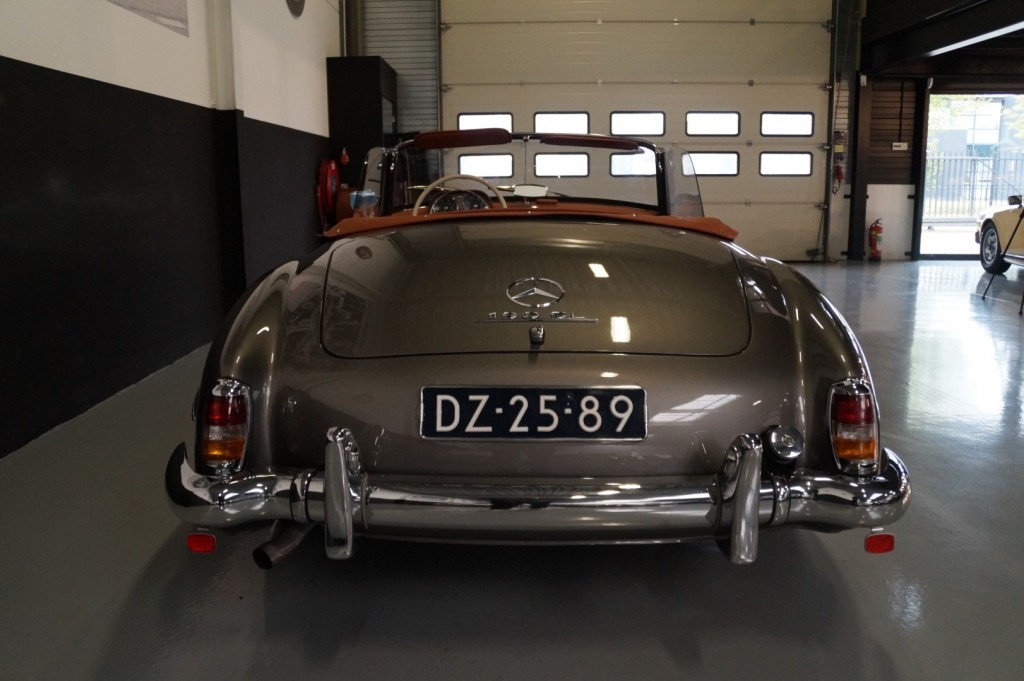 Buy this MERCEDES-BENZ 190 1960  at Legendary Classics (62)