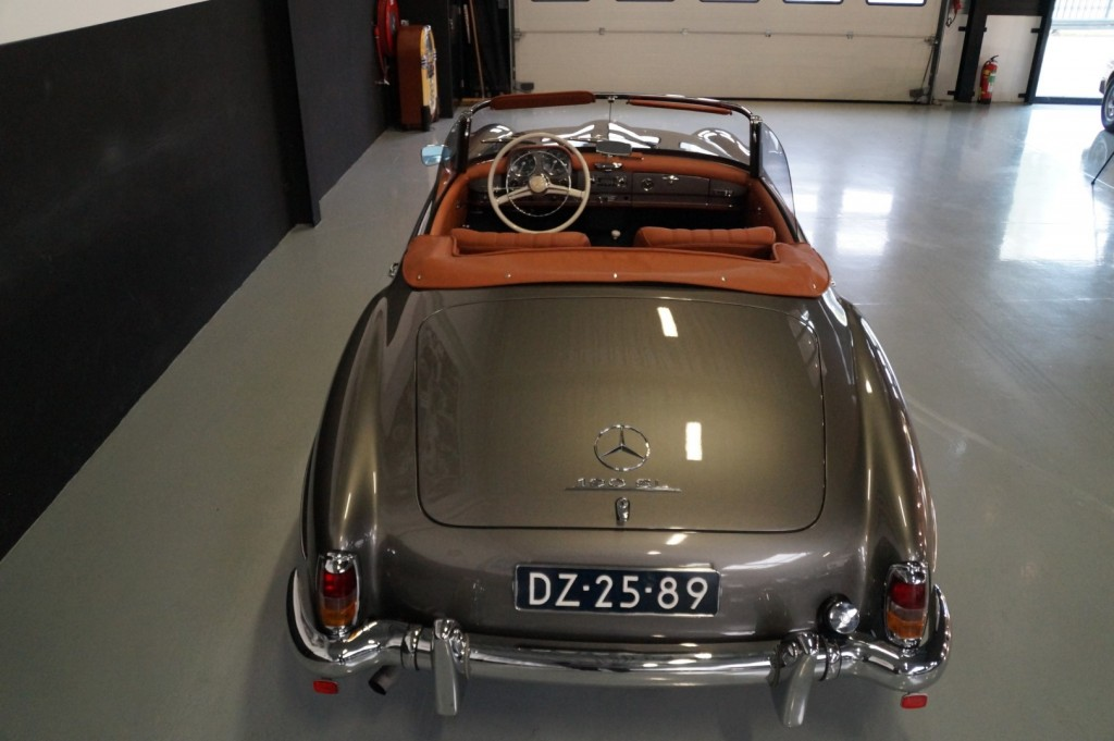 Buy this MERCEDES-BENZ 190 1960  at Legendary Classics (63)