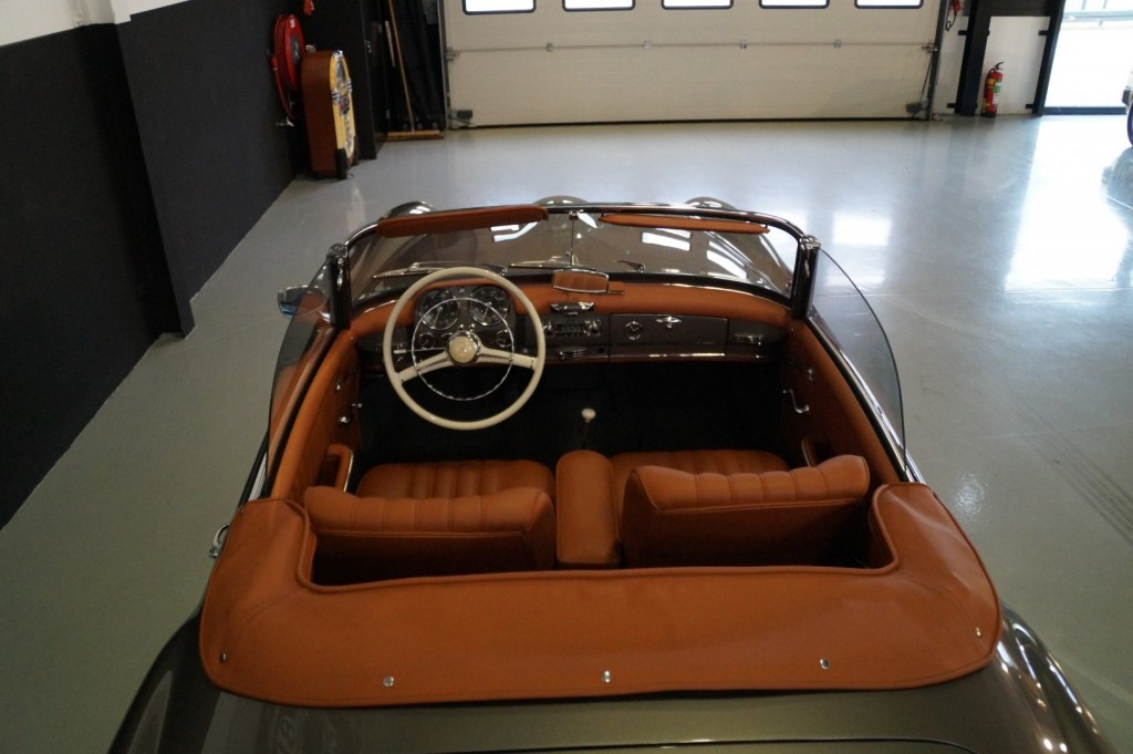 Buy this MERCEDES-BENZ 190 1960  at Legendary Classics (64)