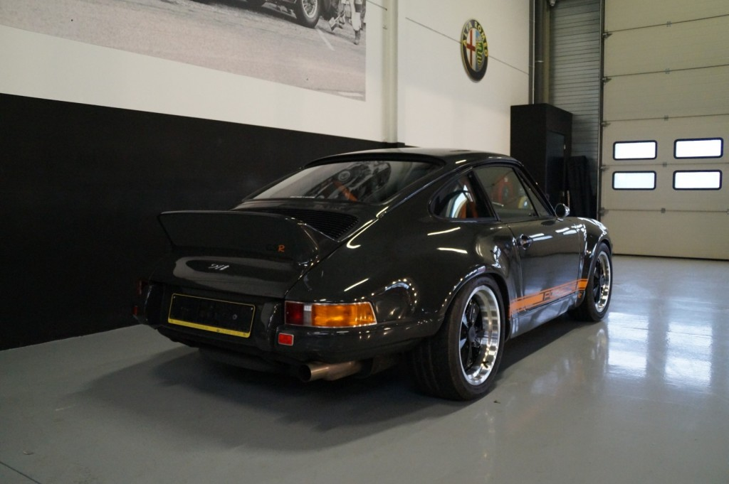 Buy this PORSCHE 964 1990  at Legendary Classics (30)