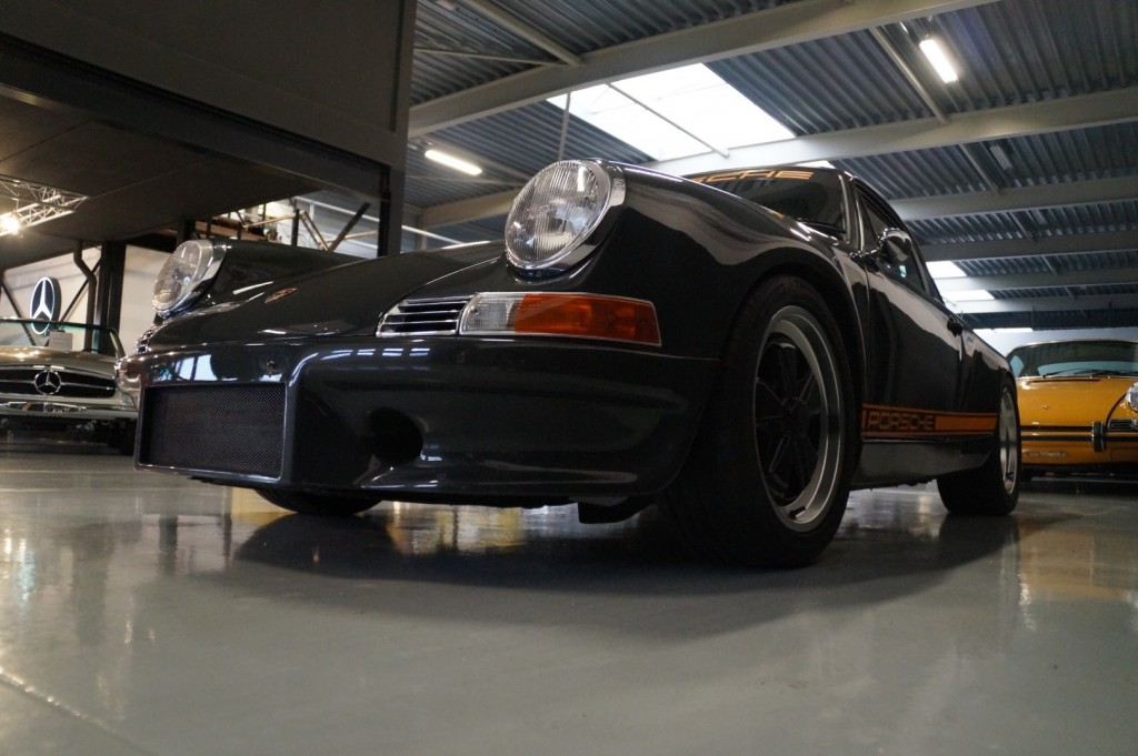 Buy this PORSCHE 964 1990  at Legendary Classics (36)