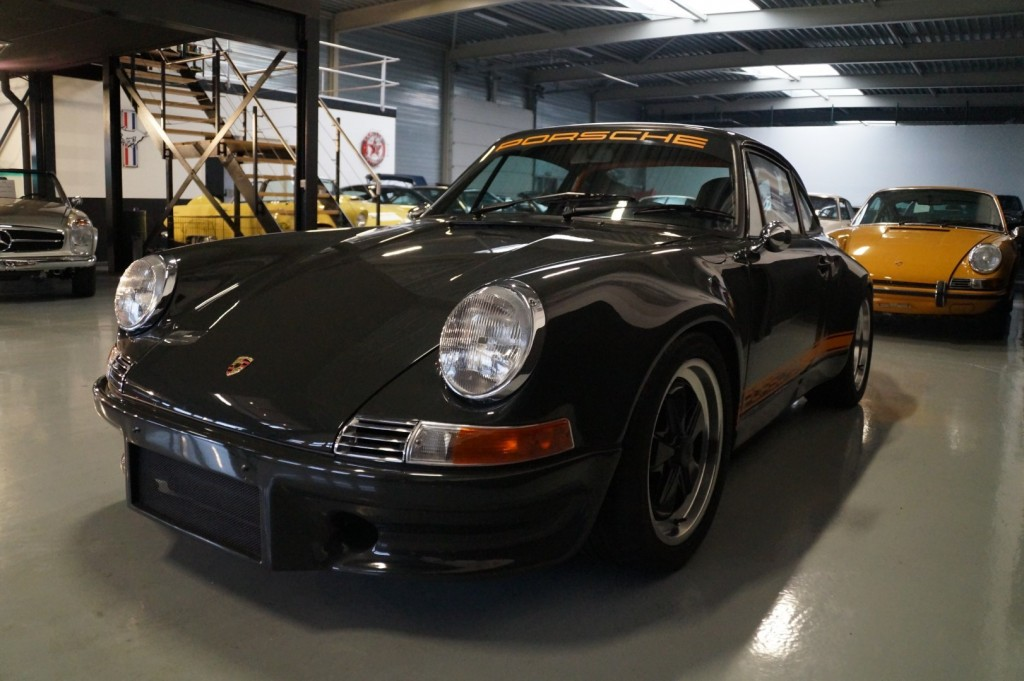 Buy this PORSCHE 964 1990  at Legendary Classics (37)