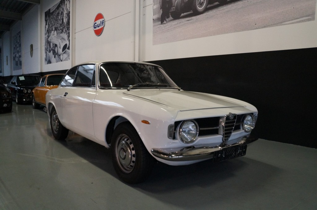 Buy this ALFA ROMEO GT 1967  at Legendary Classics (2)