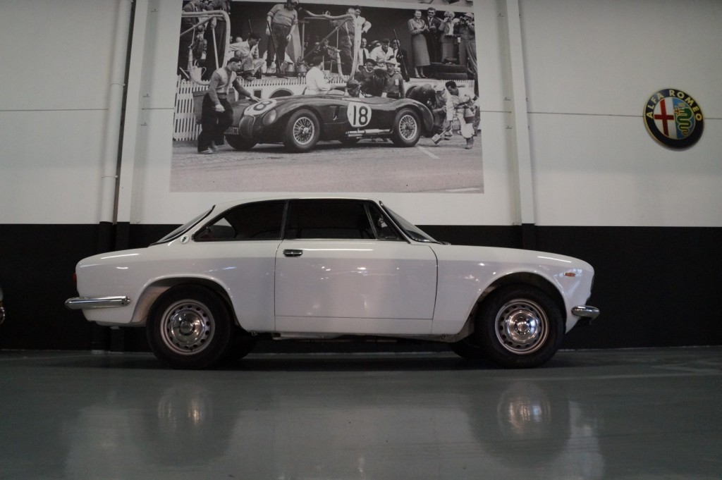 Buy this ALFA ROMEO GT 1967  at Legendary Classics (22)