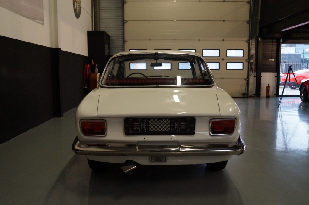 Buy this ALFA ROMEO GT 1967  at Legendary Classics (27)