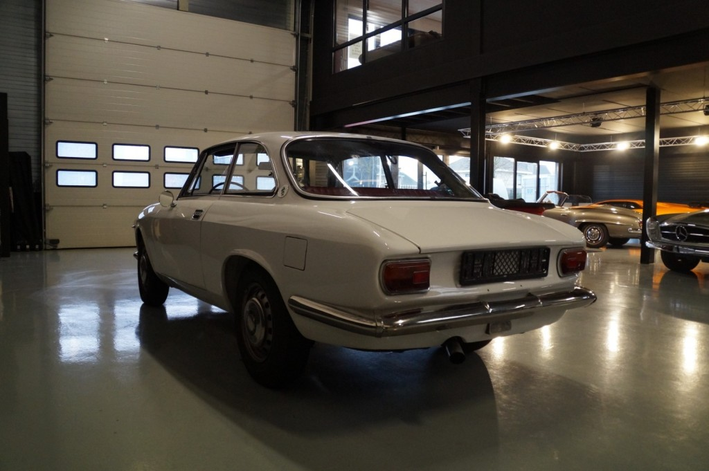 Buy this ALFA ROMEO GT 1967  at Legendary Classics (29)