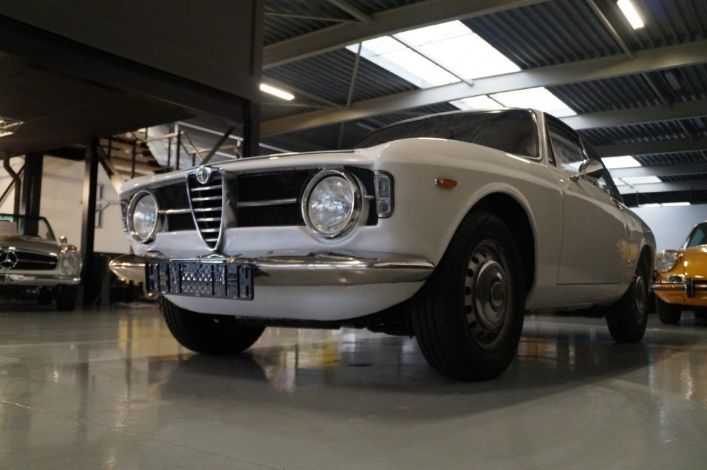 Buy this ALFA ROMEO GT 1967  at Legendary Classics (31)