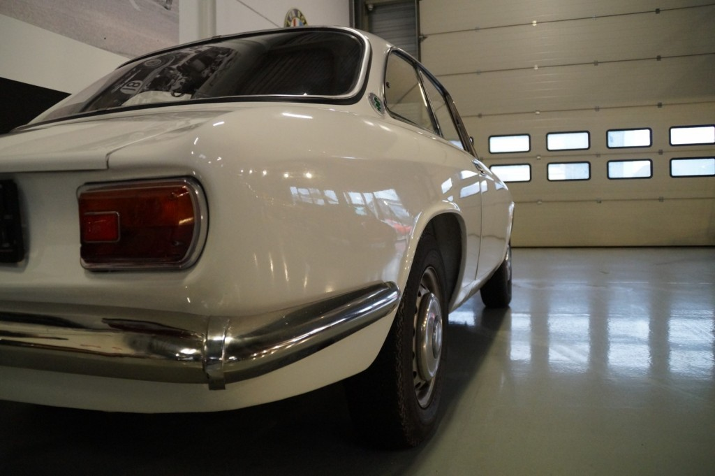 Buy this ALFA ROMEO GT 1967  at Legendary Classics (36)