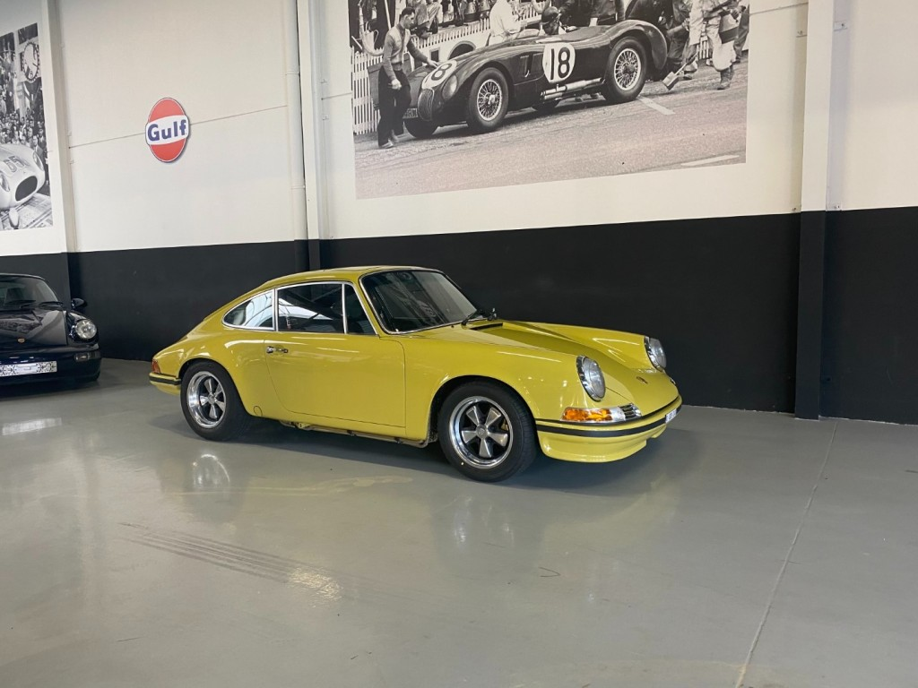 Buy this PORSCHE 911 1982  at Legendary Classics (1)