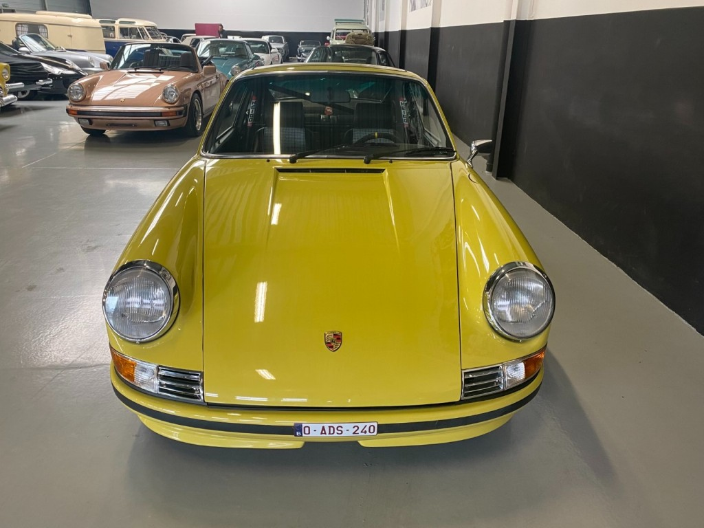 Buy this PORSCHE 911 1982  at Legendary Classics (31)