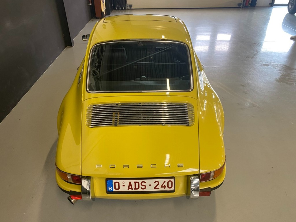 Buy this PORSCHE 911 1982  at Legendary Classics (5)