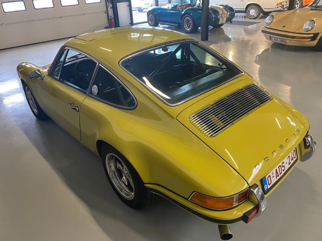 Buy this PORSCHE 911 1982  at Legendary Classics (42)
