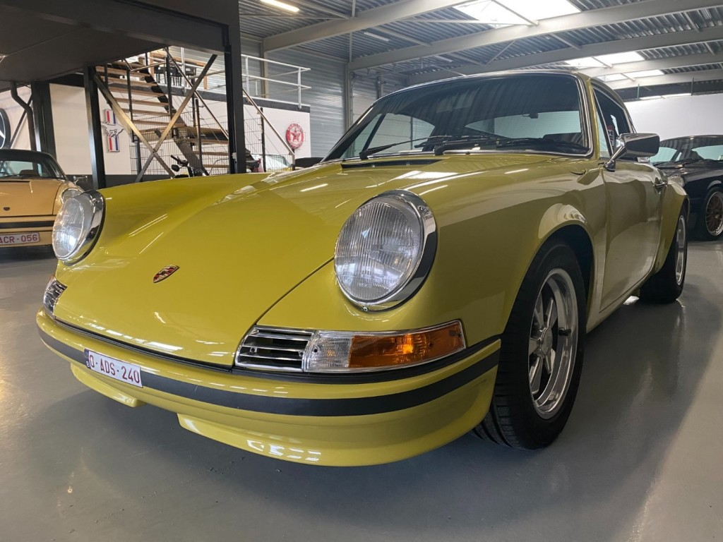 Buy this PORSCHE 911 1982  at Legendary Classics (44)