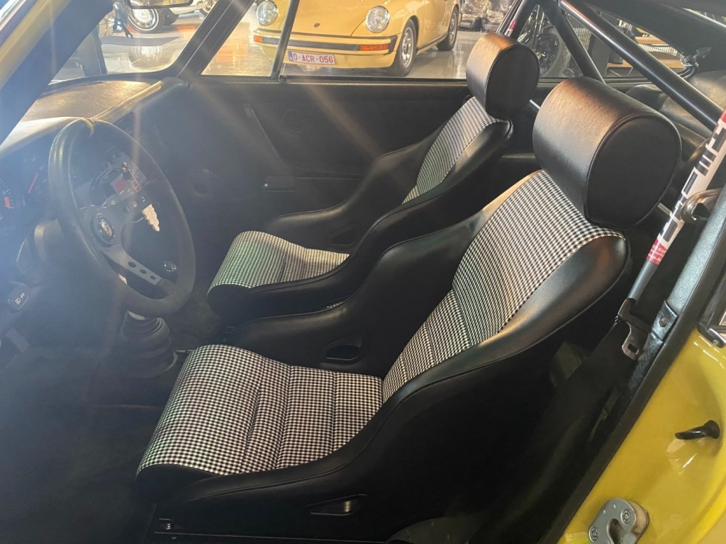 Buy this PORSCHE 911 1982  at Legendary Classics (6)