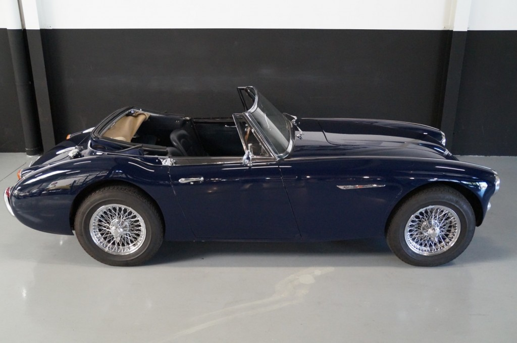 Buy this AUSTIN HEALEY 3000 1967  at Legendary Classics (34)