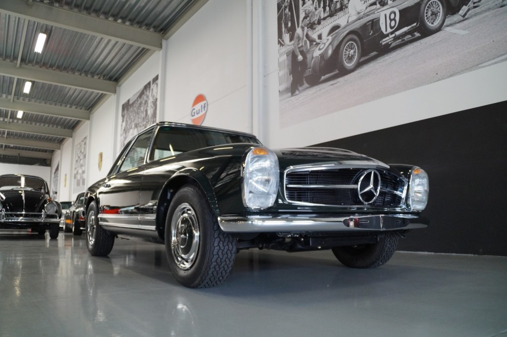Buy this MERCEDES-BENZ 280 1968  at Legendary Classics (17)