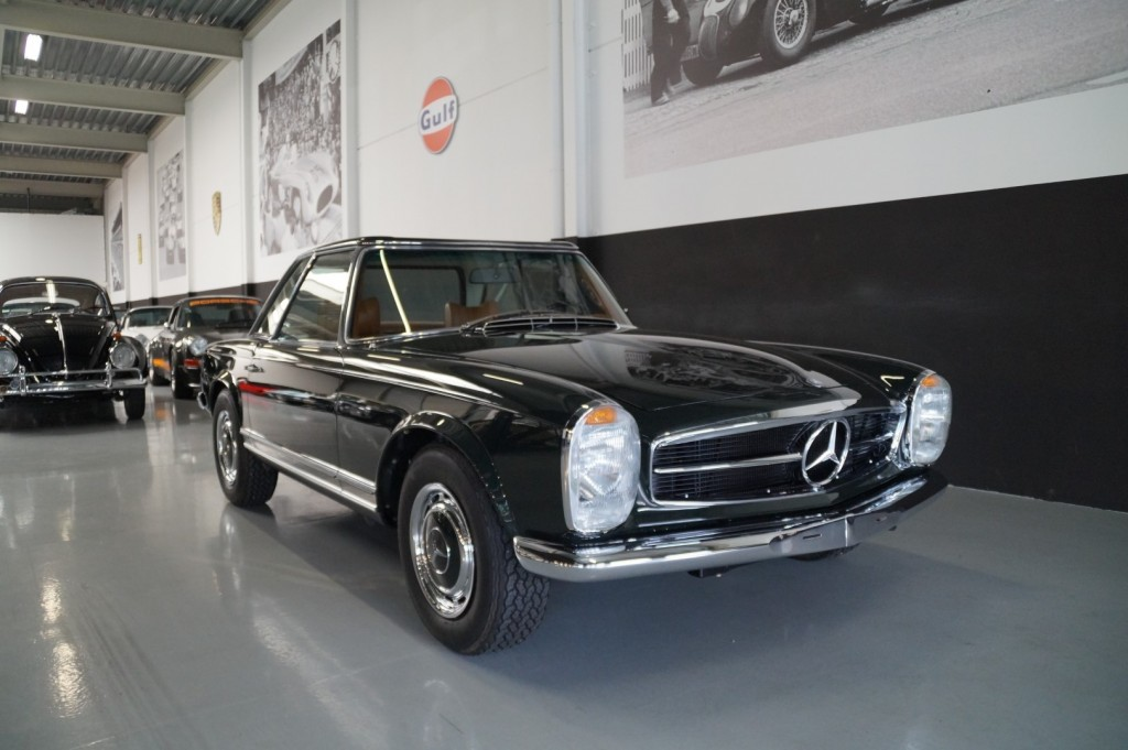 Buy this MERCEDES-BENZ 280 1968  at Legendary Classics (18)