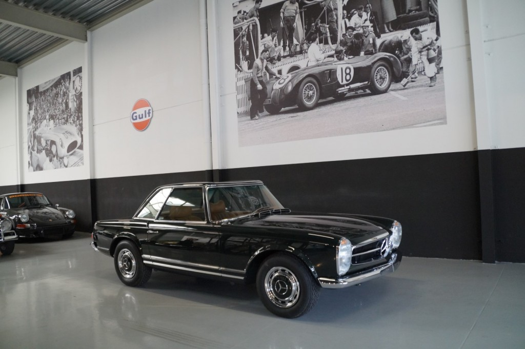 Buy this MERCEDES-BENZ 280 1968  at Legendary Classics (3)