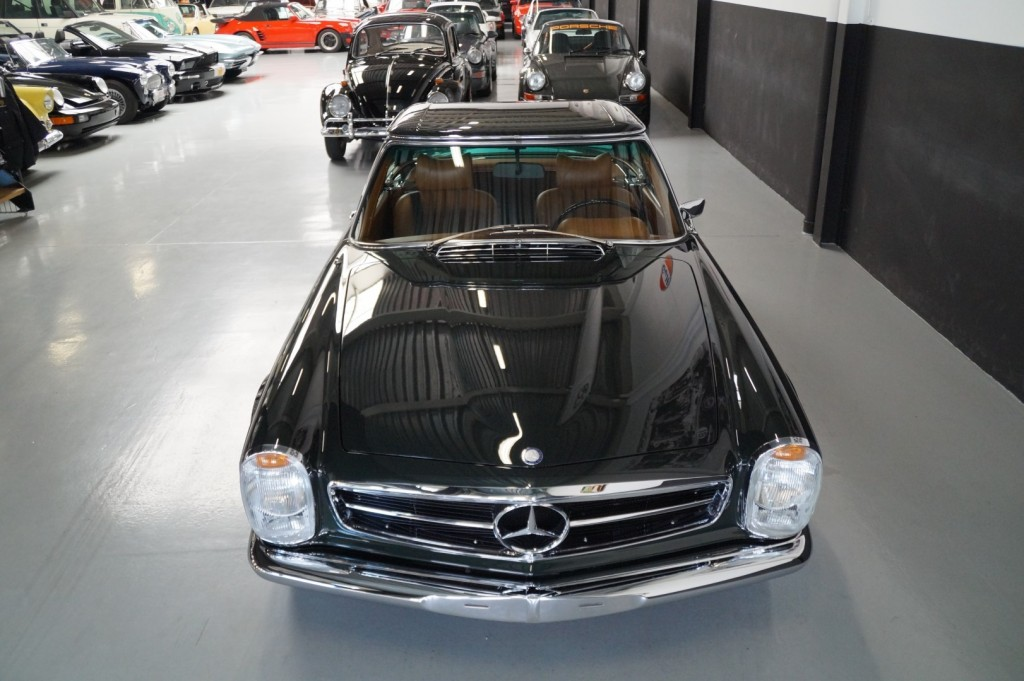Buy this MERCEDES-BENZ 280 1968  at Legendary Classics (22)