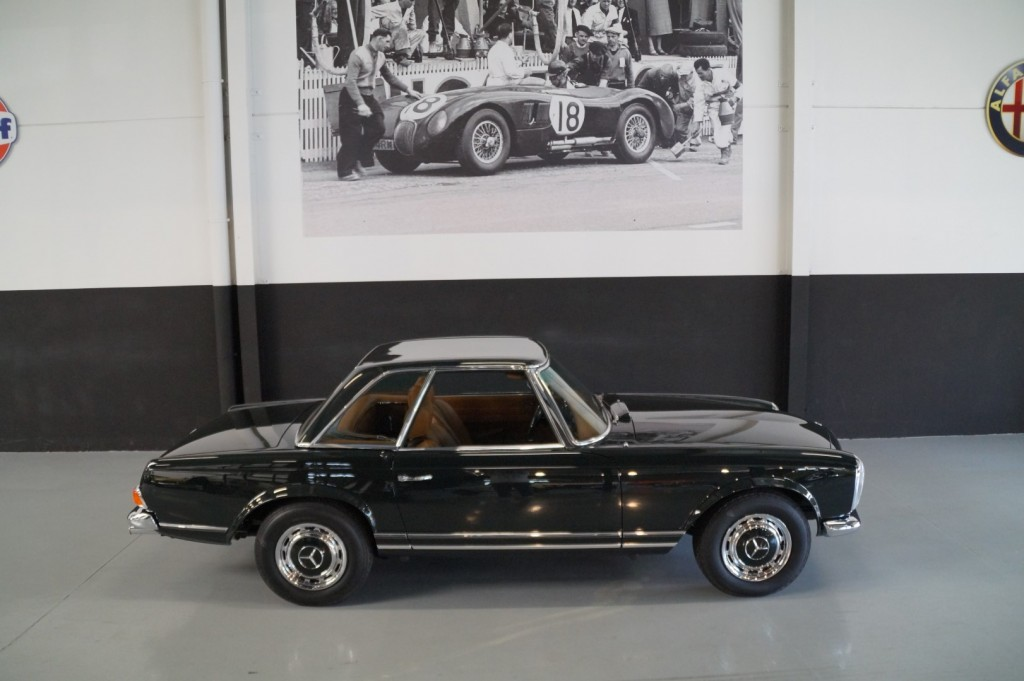 Buy this MERCEDES-BENZ 280 1968  at Legendary Classics (24)