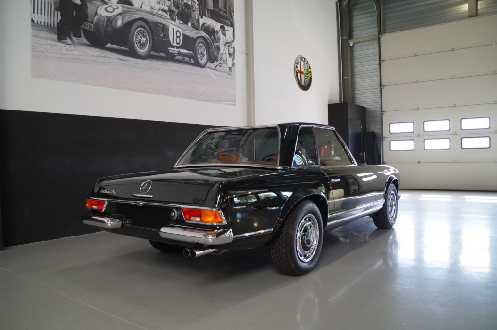 Buy this MERCEDES-BENZ 280 1968  at Legendary Classics (26)