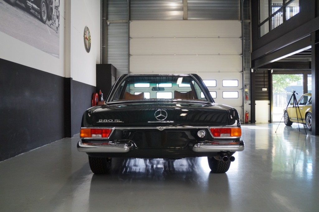 Buy this MERCEDES-BENZ 280 1968  at Legendary Classics (28)